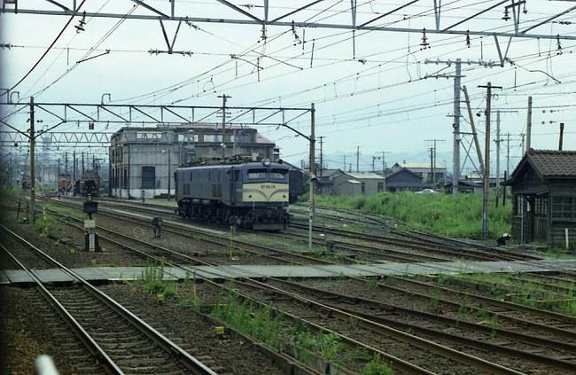 新津 EF58.jpg