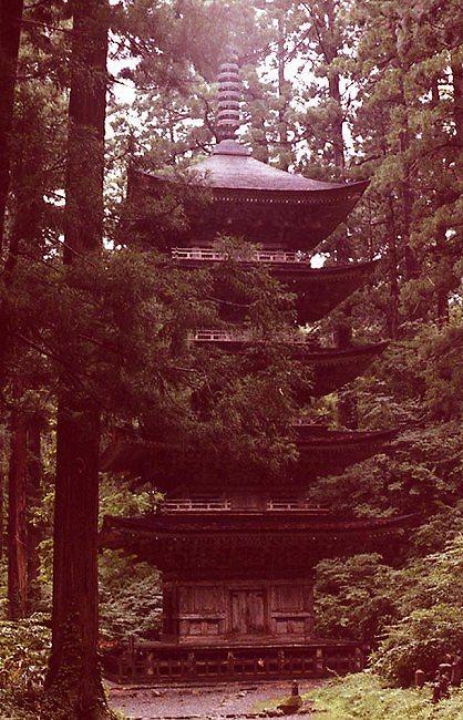 羽黒山五重の塔.jpg